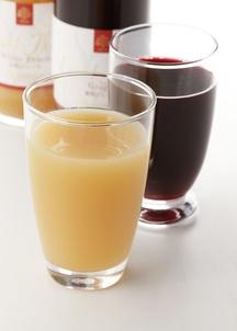 フルーツジュースギフト2本入り(桃、葡萄)