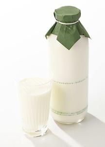 中洞牧場牛乳〔720ml〕
