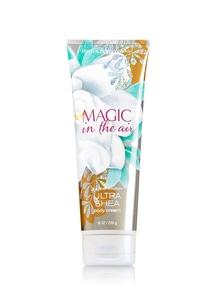 【Bath & Body Works】 マジック イン ザ エアの香り_ウルトラシアボディクリーム