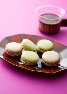 玉露焙じ茶とマロングラッセのマカロン・和栗とカシス コーヒー風味のマカロン詰め合わせ5個入り