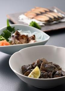 【下鴨茶寮】[のまえ]JIMONO「牡蠣一夜干し・地頭鶏の炭火焼・鯖燻製」