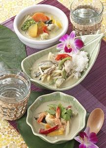 グリーンカレー3種6食入り(チキン・エビ・野菜)とジャスミンライスセット