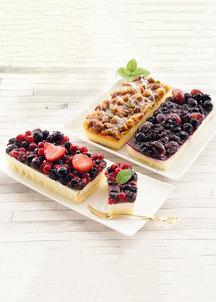フルーツのレアチーズケーキとキャラメルケーキセット